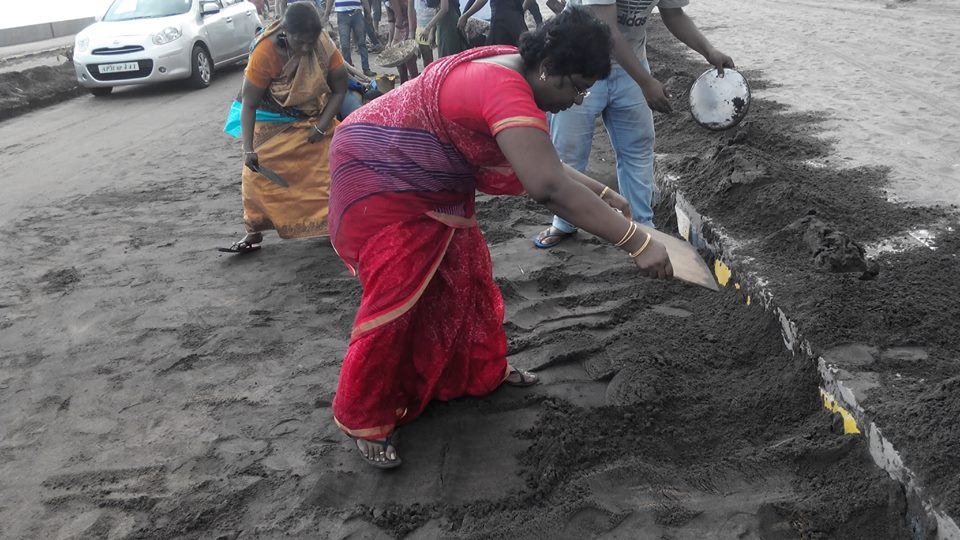 Photo Story: How Volunteers Are Coming Together To Rebuild Their Beloved Vishakhapatnam