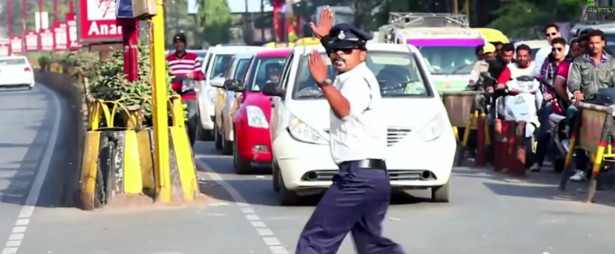 VIDEO: The Traffic Cop Who Moonwalks On The Street To Manage Traffic