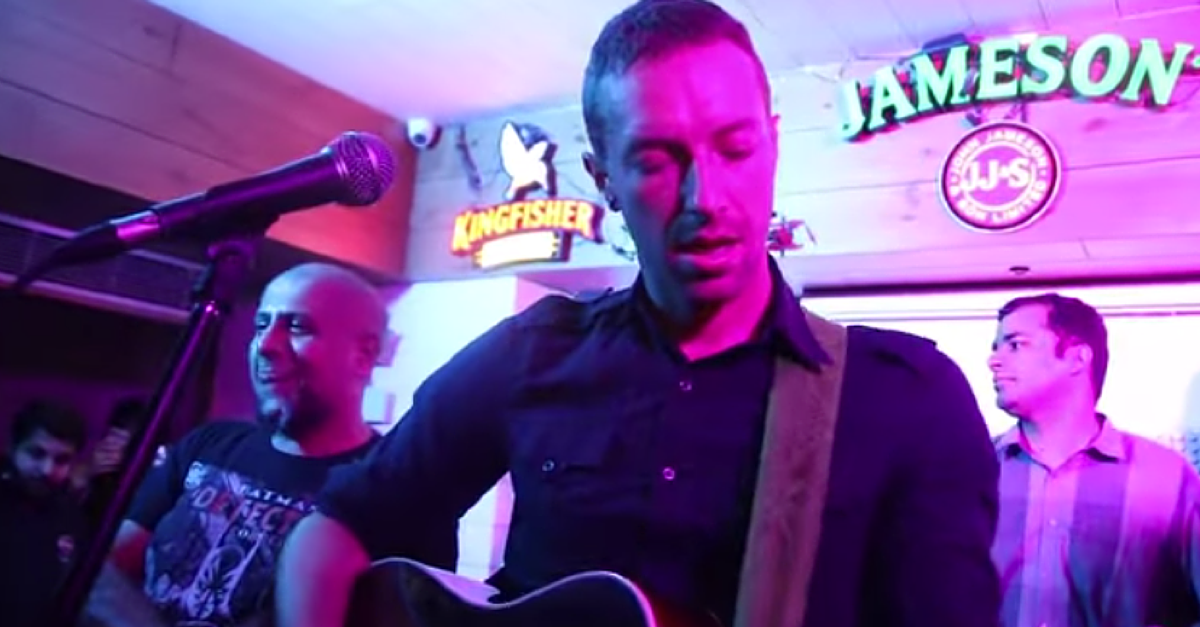 VIDEO: Chris Martin did a Secret Gig in Delhi Recently and made Indians Burst with Emotions.