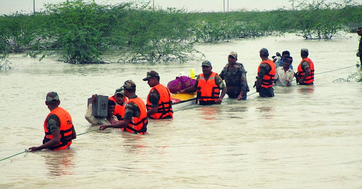 The Indian Army Bravely Rescues 1,000 People from Flood Hit Gujarat and Rajasthan