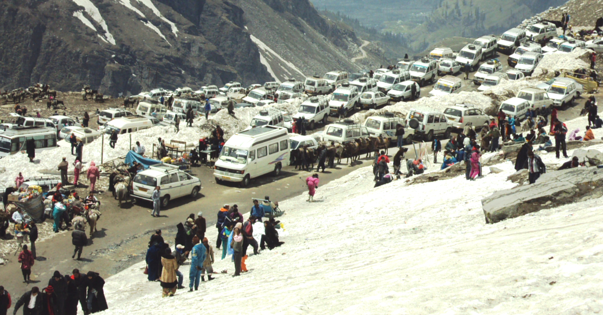 Rohtang Pass May Soon Become the World's Highest Destination to Ply CNG Buses