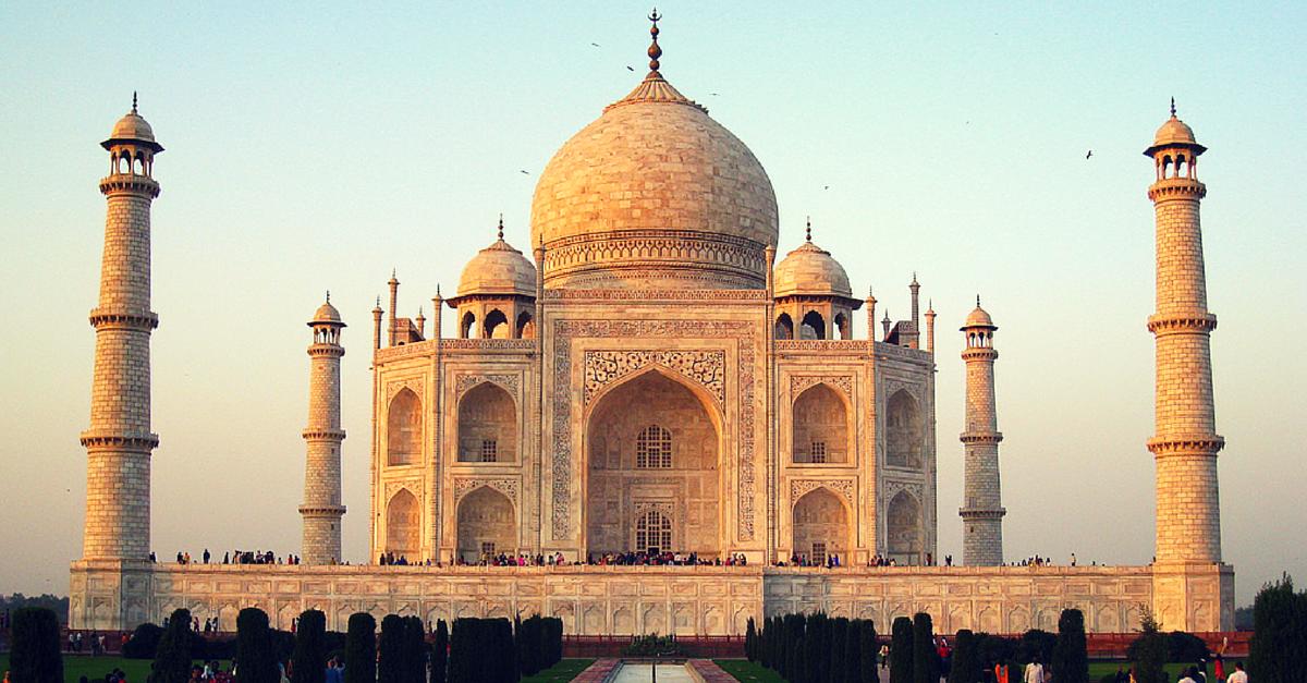 Taj Mahal Entered the World of Social Media. And Totally Rocked It!