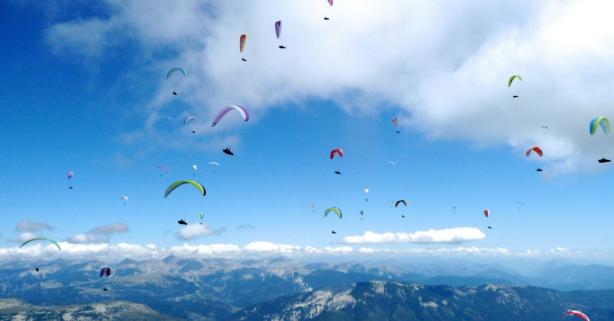 Get Ready for India's First Paragliding World Cup to Be Held in Himachal Pradesh