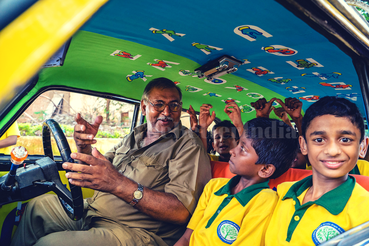 How a Ride in a Mumbai Taxi Can Teach You to Communicate with the Hearing Impaired in India