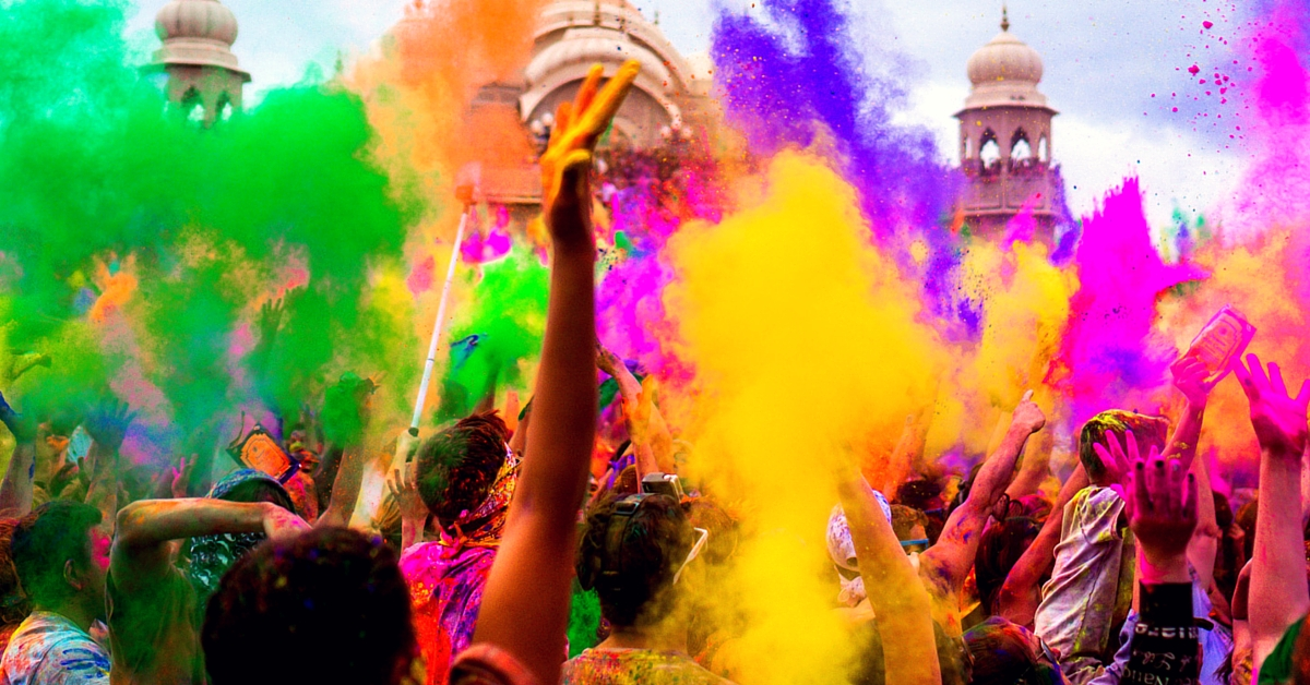 Scorpions, Cow Dung, Kushti – 6 Surprising Ways in Which Holi Is Celebrated in India