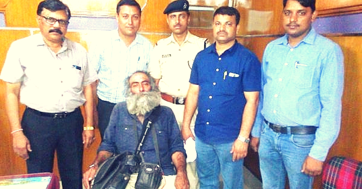 One Call to the Railway Helpline Number, & Officials Escorted a 70-Year-Old All the Way to Delhi
