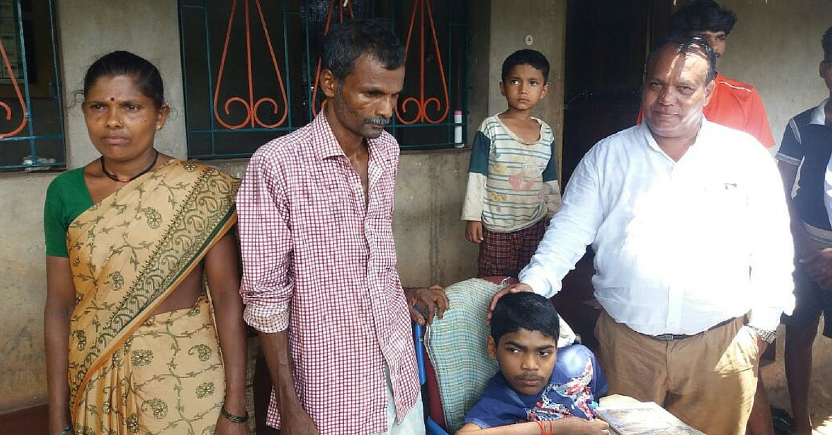 This Father Carried His Disabled Son On His Back For 3 Years, so He Could Take His SSLC Exams
