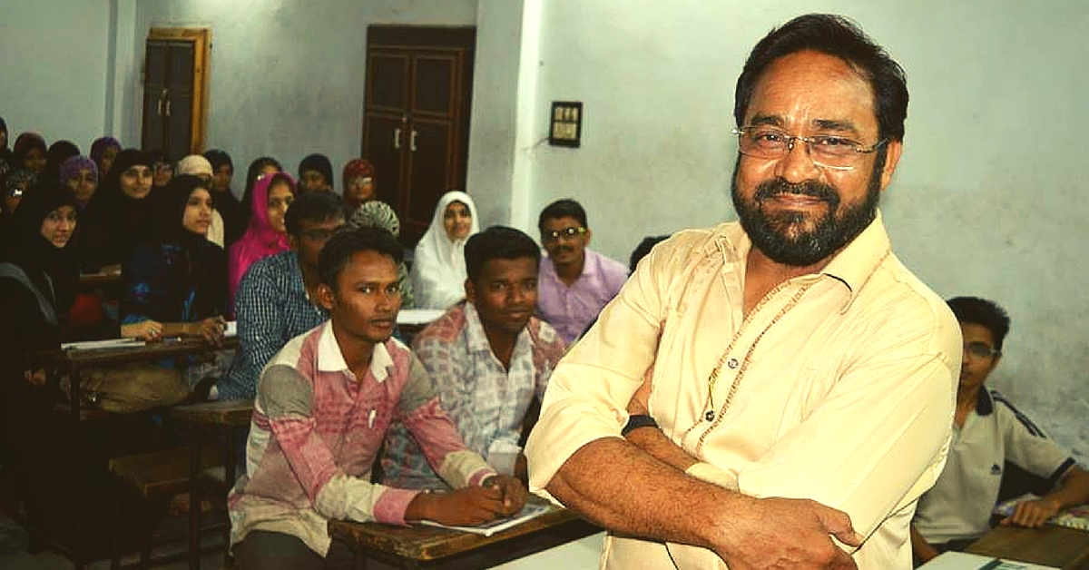 This Professor Has Been Giving Free Coaching to Students of Competitive Exams for Last 10 Years