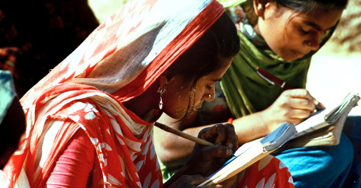 These Jharkhand Villagers Are on a Mission to Achieve 100% Literacy. And Their Ideas are Brilliant!