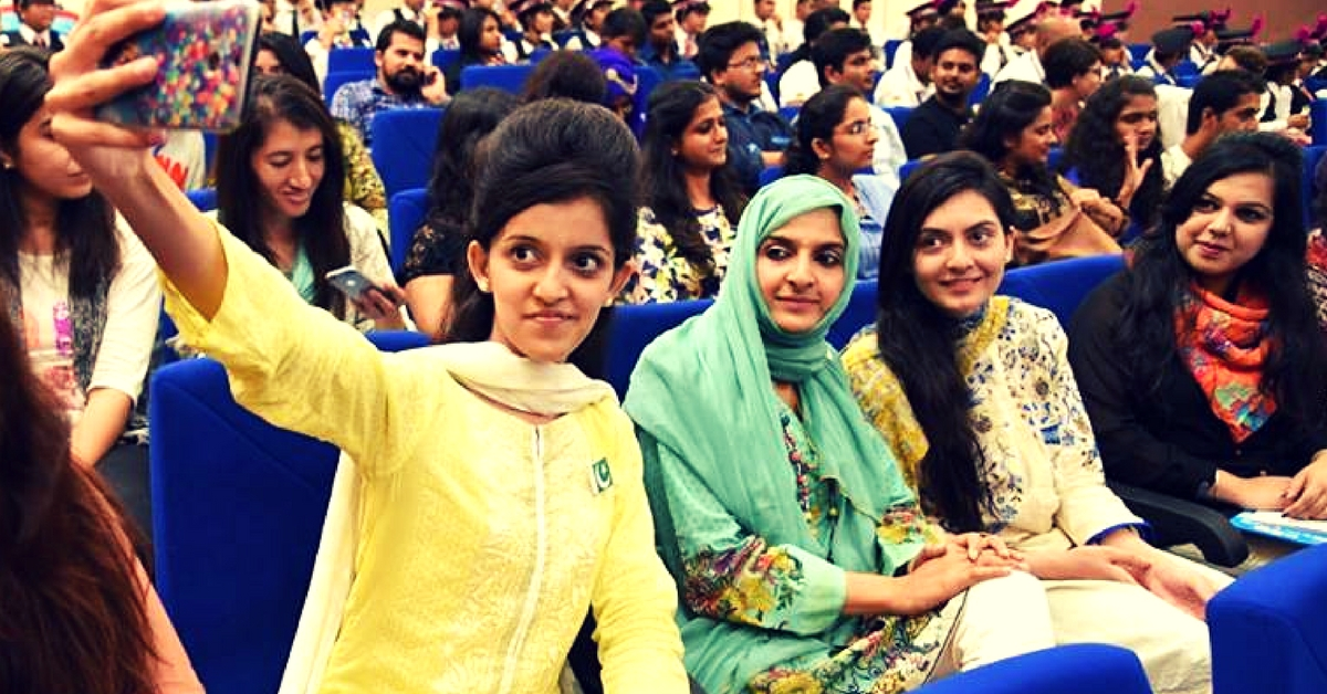 These 20 Pakistani Women Visiting for Peace Convention Were Deeply Touched by Indian Hospitality
