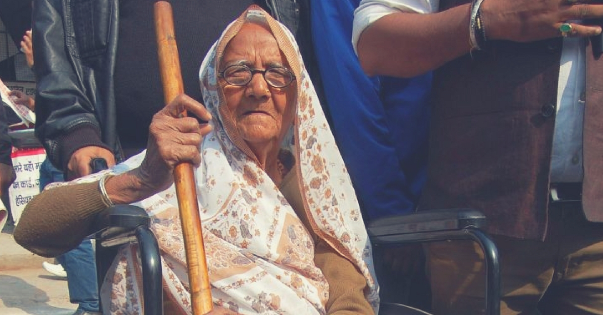 95-Year-Old Jal Devi Will Stand for UP Assembly Elections; Promises to 'Lathi-Charge' Corruption