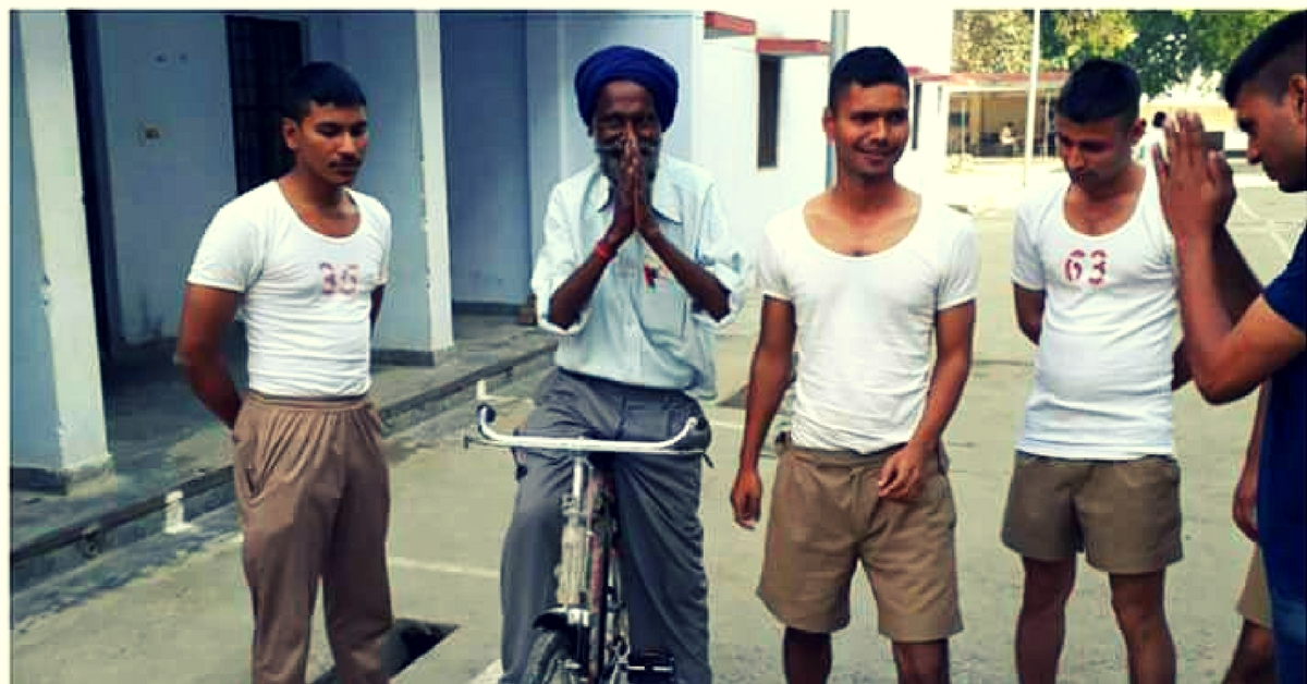 What These Trainee Cops Did for a Hawker in UP Is Just the Monday Motivation You Need!