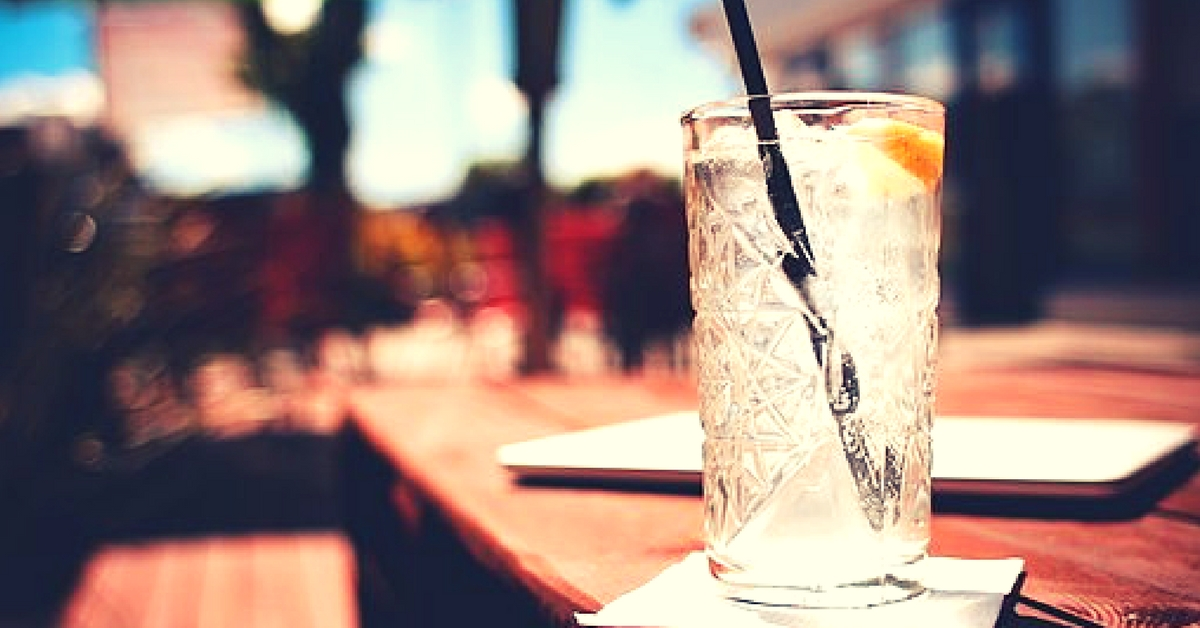 Mumbai Eateries Bid Goodbye to Plastic Straws and Take the Green Route With Paper