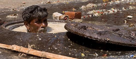 delhi-govt-mechanised-sewage-cleaning