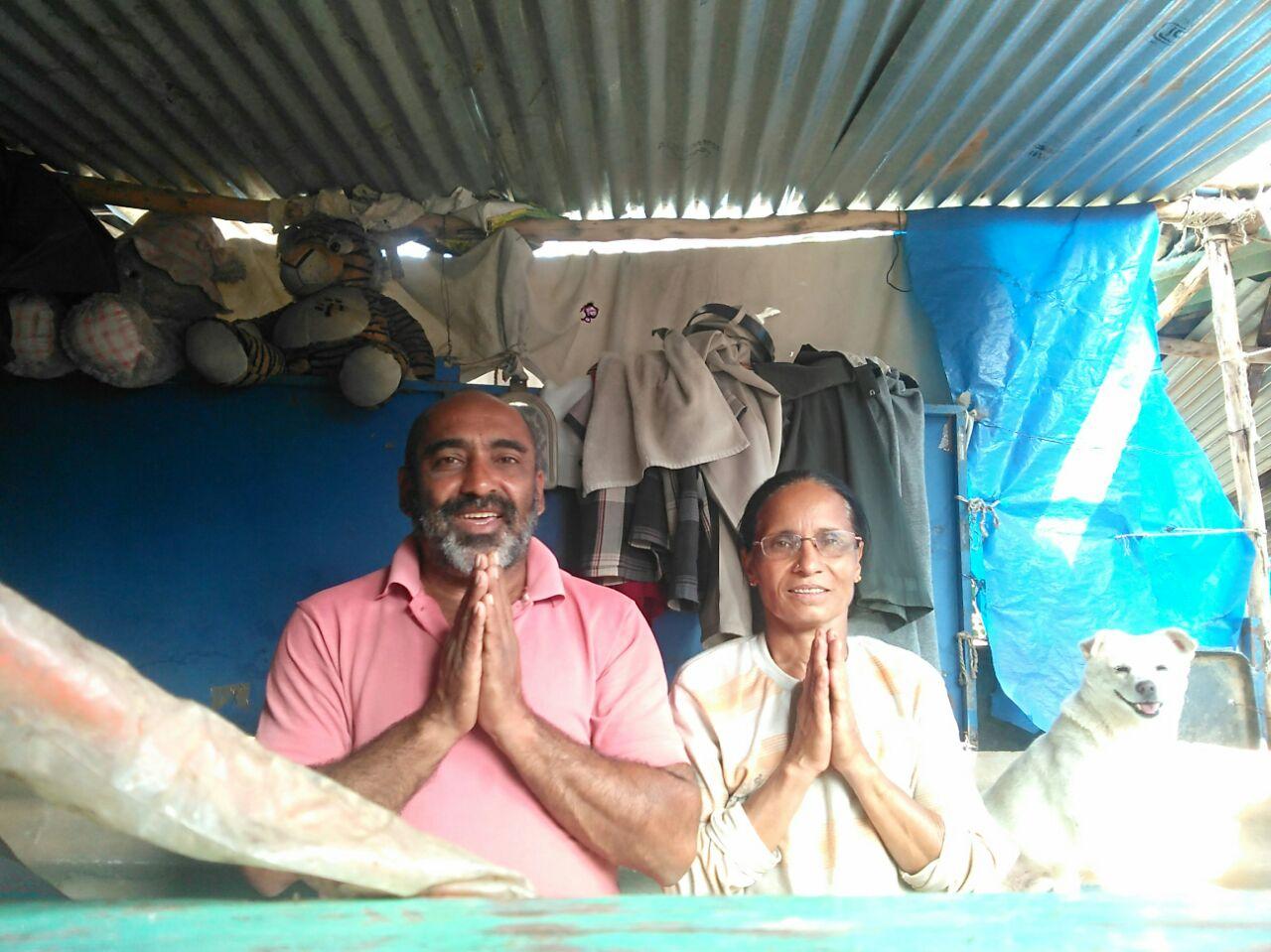 Bengaluru-couple-stray dogs-sai shelter