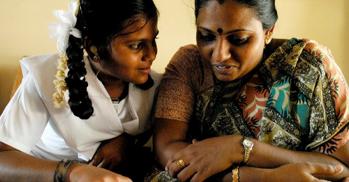 Women Helpers in This Bengaluru School Are Learning English From the Students Themselves!