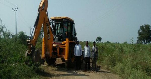 The Govt Failed Them, so These Farmers Rented a Bulldozer and Got Busy Repairing