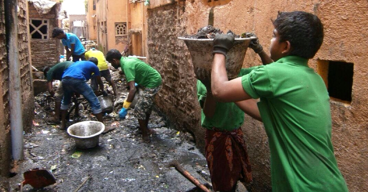 For 3 Years Now, These Chennai Folks Have Been Cleaning the Streets for Free!