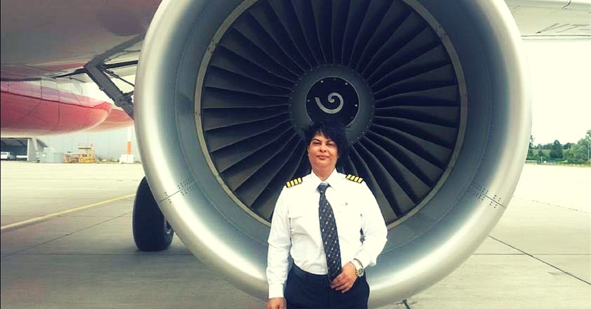 A 100 Feet Away From a Mid-Air Tragedy, This Woman Pilot's Quick Action Saved 261 Lives!