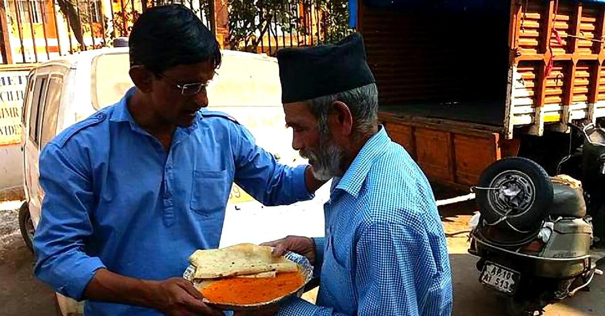 Do Roti Zindagi Ki: Hyderabad Man Ensures That The Needy Don't Sleep Hungry!