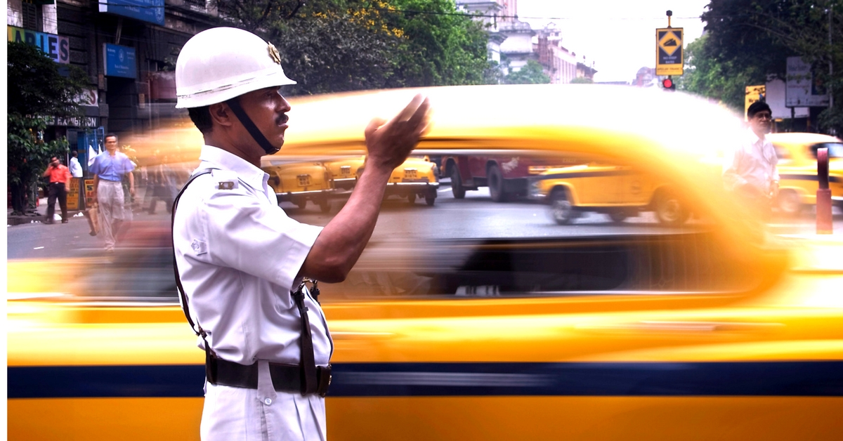 The Kolkata Police is tired of rule-breakers, and has introduced e-challans to deal with them. Representative image only. Image Courtesy: Wikimedia Commons.