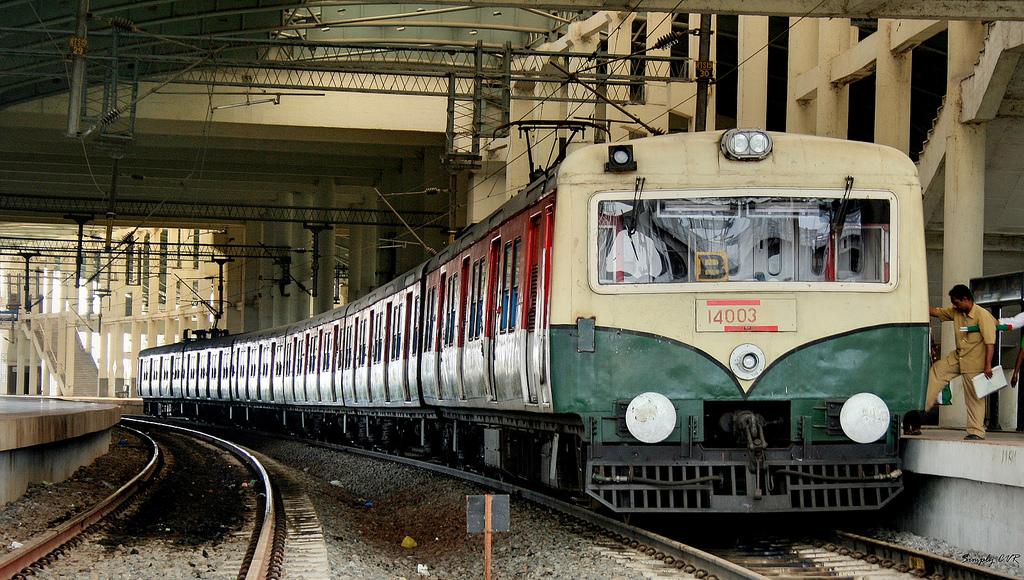 Railway Cop stops rape attempt