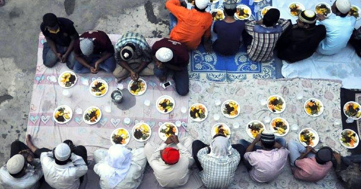 Kerala Temple Sets Example of Communal Harmony, Serves Iftar This Ramzan!