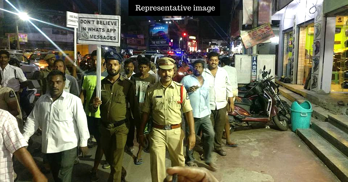 3 Hyderabad Cops Risk Their Lives To Save Crossdresser From Fury of Massive Mob!