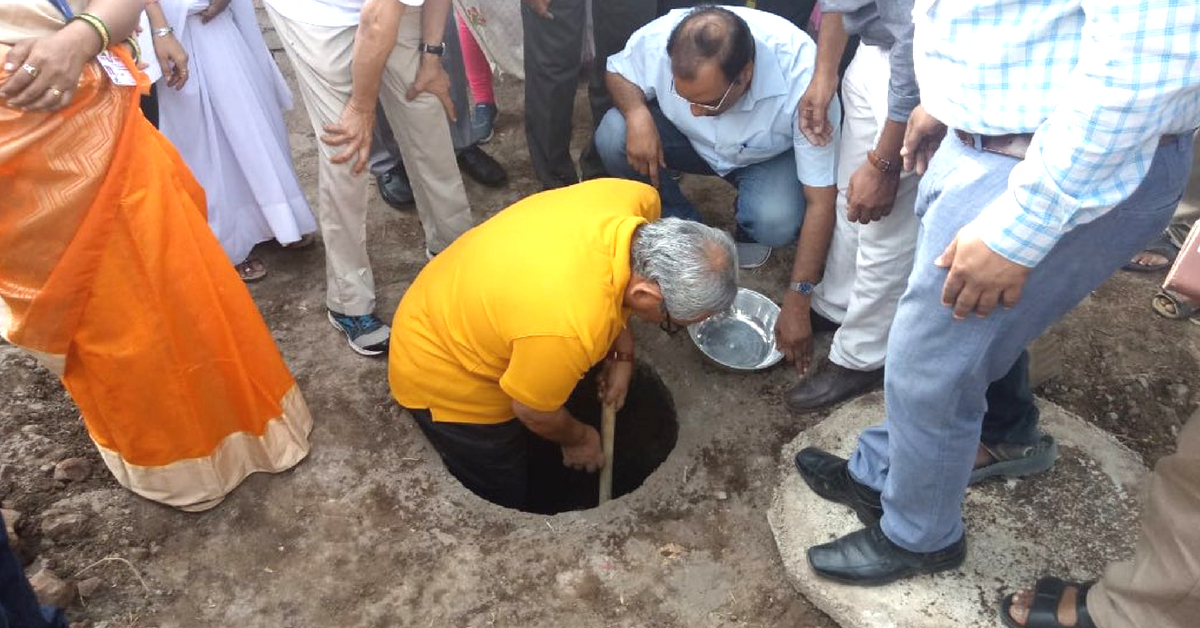 CAG of India Climbs into Toilet Pit, Empties Human Compost with Own Hands!