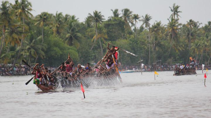 Nehru Trophy boat race. (Source: Kerala Tourism)