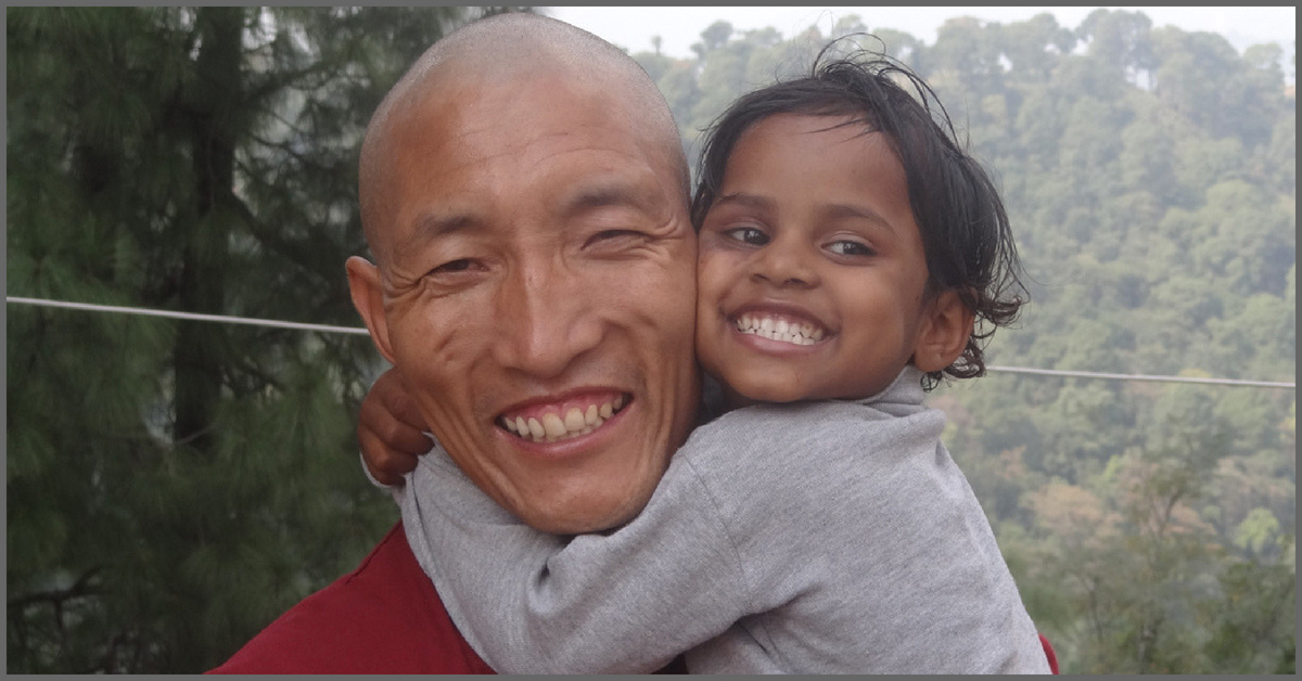 Tibetan Monk Finds Heartwarming Way of Giving Back & Saying 'Thank You, India'!