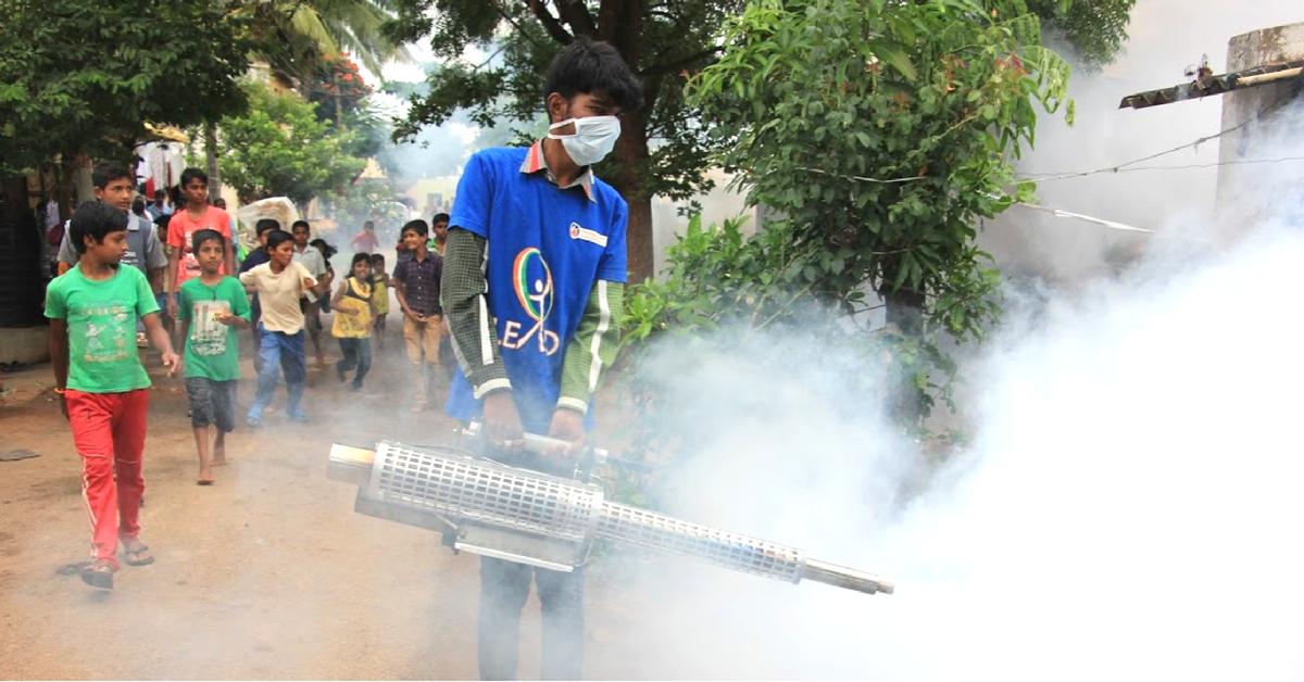 K'taka Teen Declares War on Dengue, Defogs Hubbali Slums To Keeps Kids Safe!