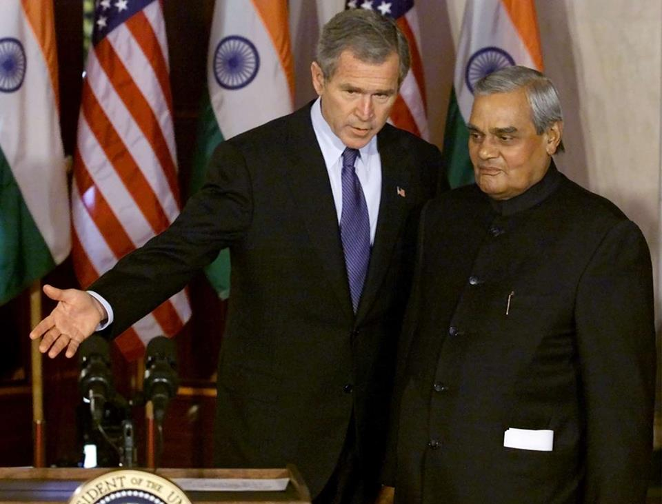 Prime Mnister Vajpayee with former US President George W Bush. (Source: Facebook/Vijjibabu Javvadi)