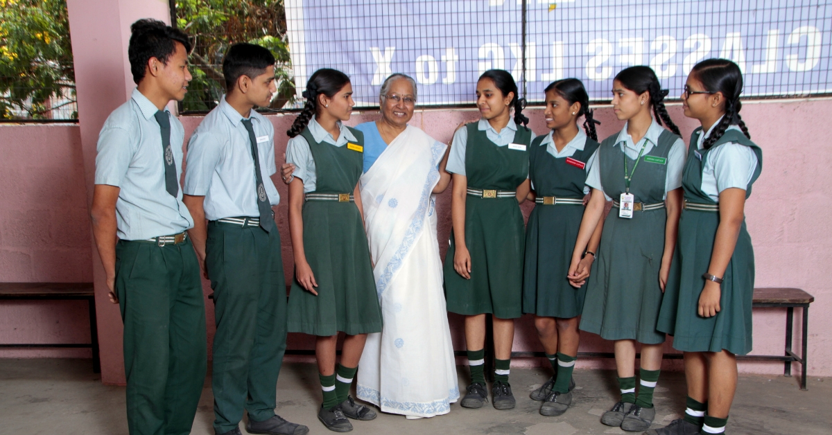 77-YO Hyd Lady Sold Home to Run School, Taught Thousands of Kids in 25 Years!