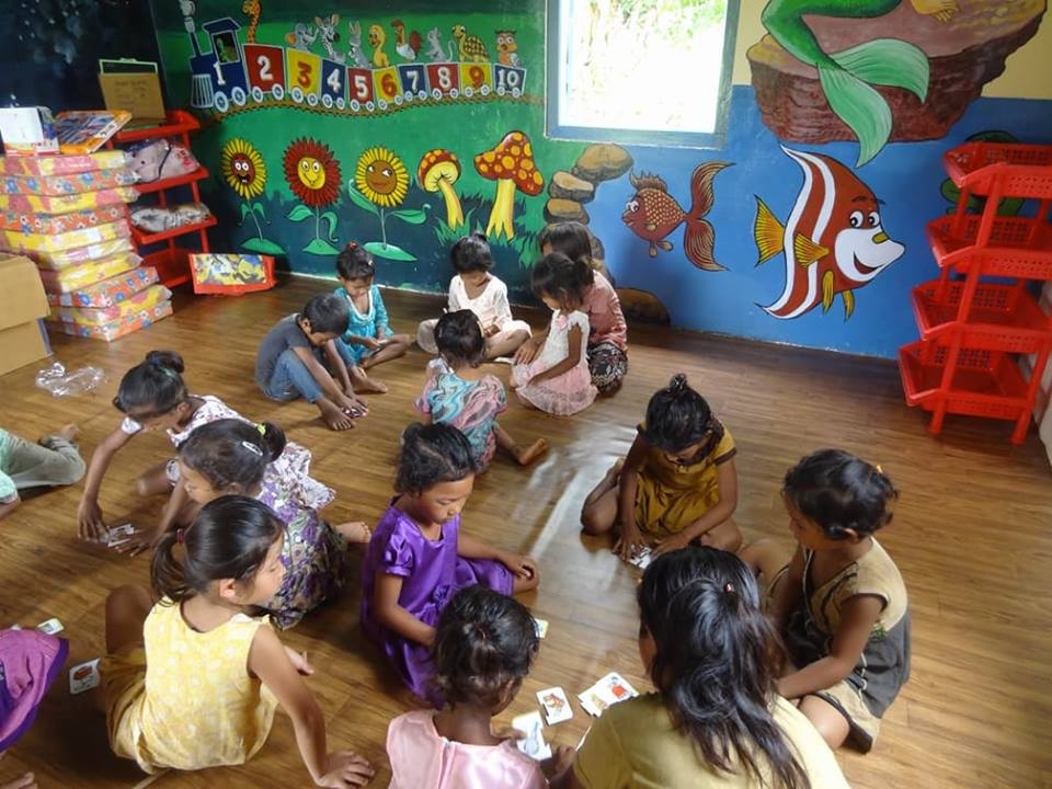 Children at the Dilsigre Anganwadi Centre