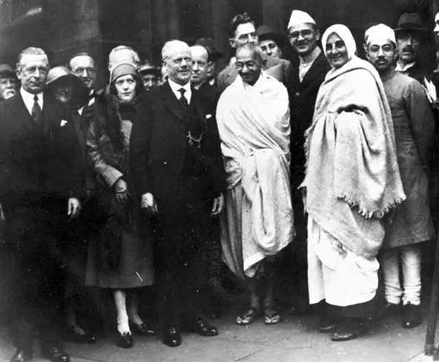 Mahatma Gandhi at Darwen, England, September 26, 1931. with Mirabehn. (Source: Wikimedia Commons)