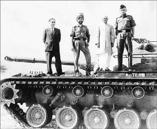 PM Lal Bahadur Shastri atop a captured Pakistani Tank after the 1965 war. (Source: Twitter/Sreetama Paul)