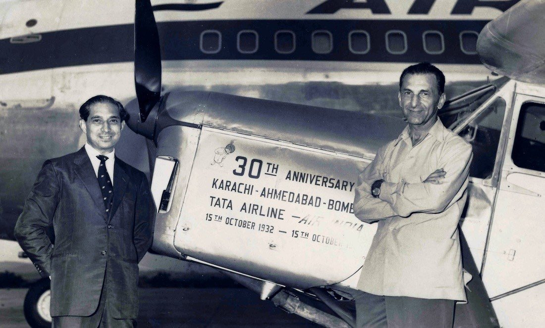 Publicity pic taken at Bombay airport on 15 Oct 1962 shows JRD Tata,who piloted original 1932 flight. Standing with Bobby Kooka of Air India. (Source: Twitter)