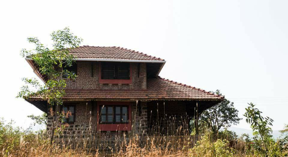 Pune Couple Builds Cement Free Breathable Homes That Don T Need Acs Or Fans