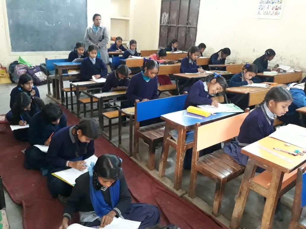 Students writing a Saksham Ghoshna exam. (Source: Samagra)