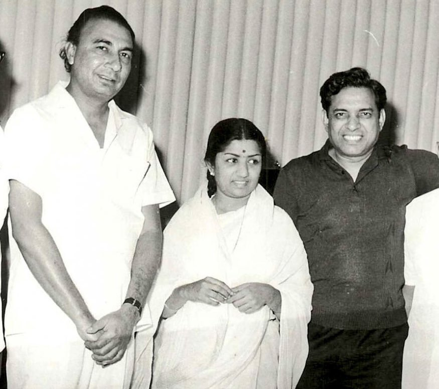 Sahir, Lata Mangeshkar and composer Ravi (Left to Right). (Source: Twitter/Film History Pics)