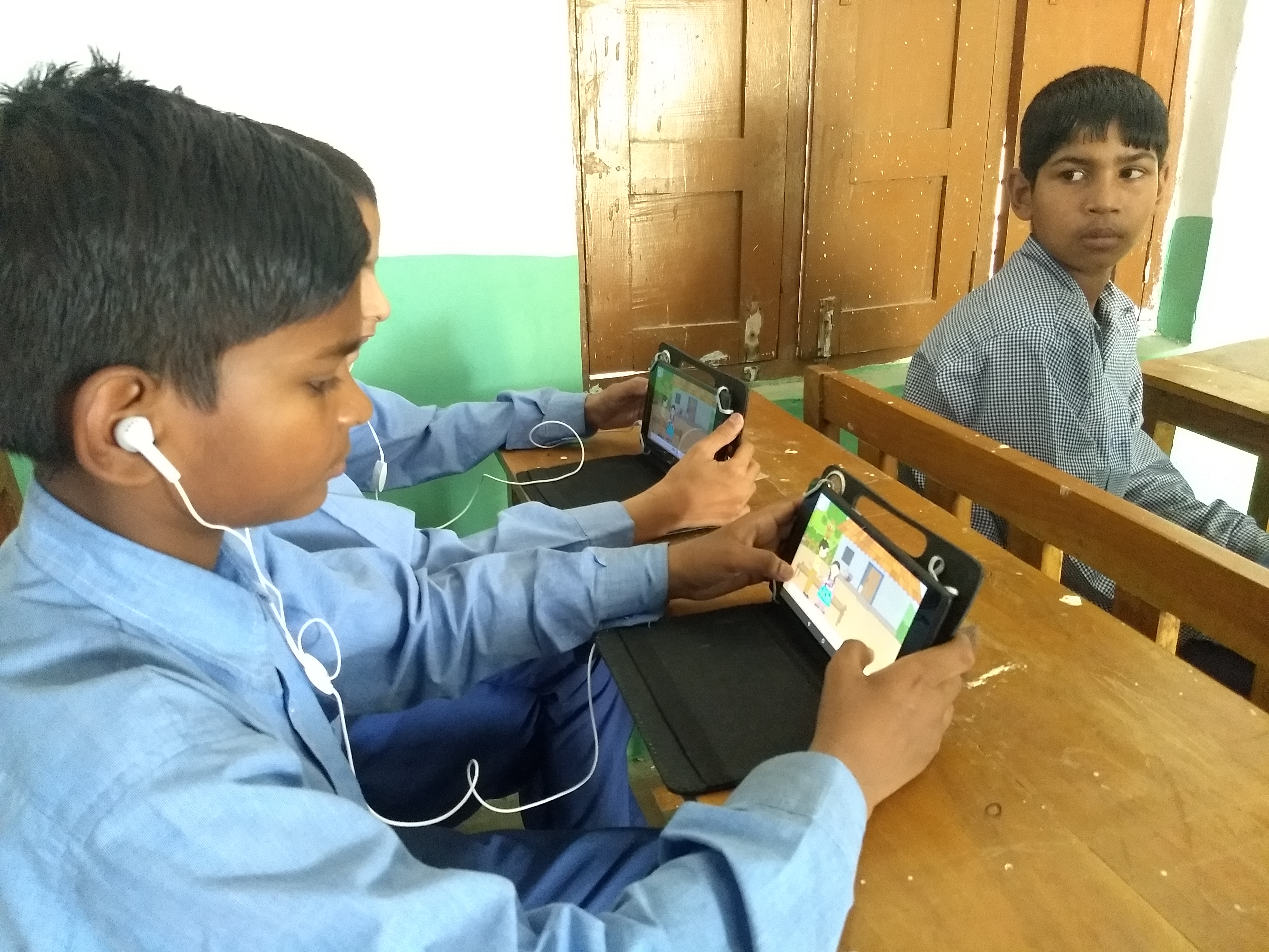 Learning on a tablet. (Source: IDream Education)