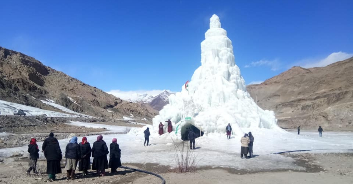 An Ice Cafe in Ladakh That Serves Maggi & Masala Tea? 3 Village Lads Have Built It!