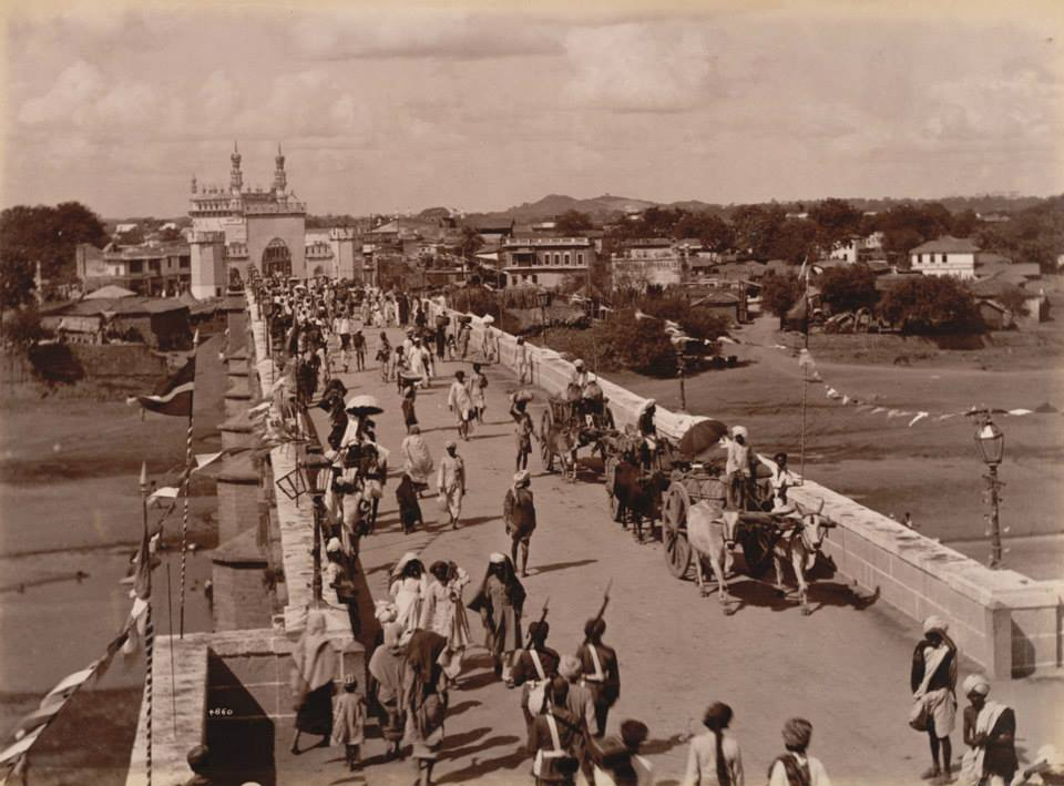 The Purana Pul Bridge (Credit: Raja Deen Dayal)