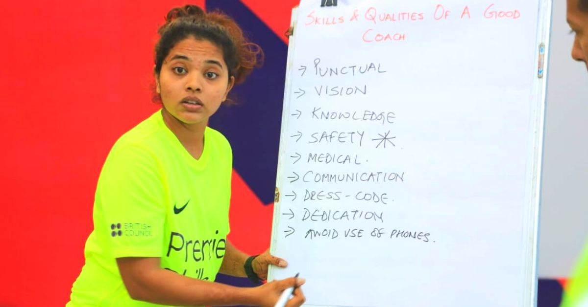 Undaunted by Taunts, Mumbai Lady Helps Little Girls Chase Their Football Dreams!