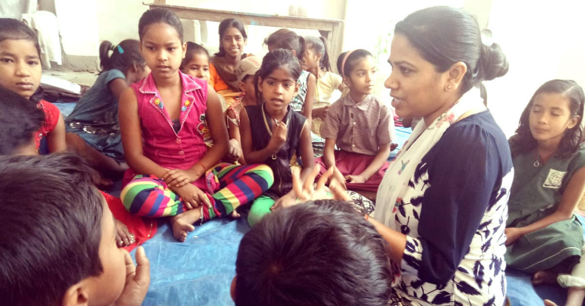 Bihar Lawyer Quits Practice, Now Educates 2000+ Underprivileged Kids For Free!