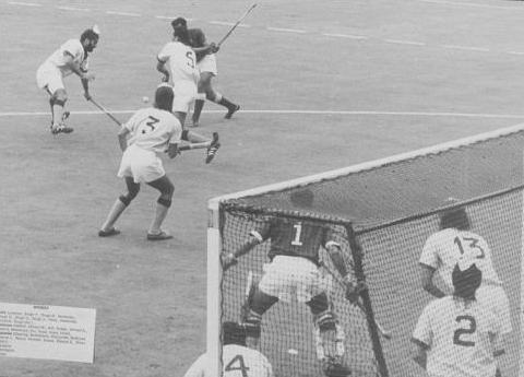 India vs Pakistan 1964 Final. (Source: Wikimedia Commons)