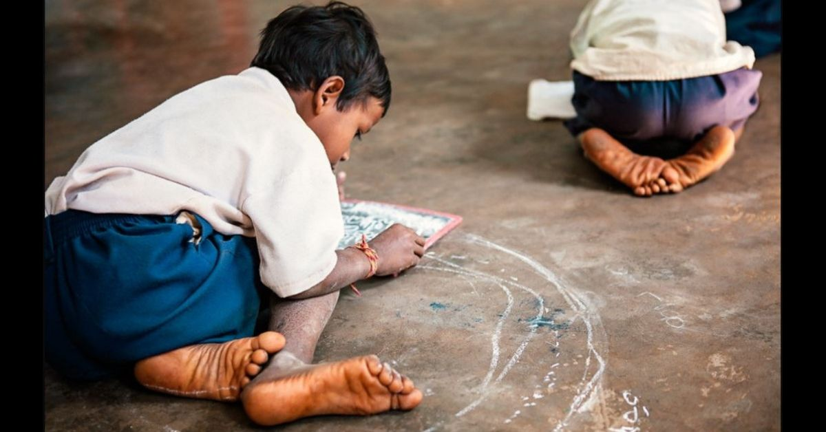 Made of Cardboard, This Rs 10 School Bag Doubles As a Desk For Rural Kids!