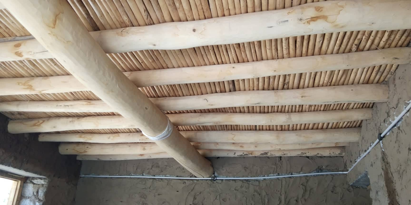 Traditional roof construction in Ladakh made with poplar wood. (Source: Tsetan Dolkar)