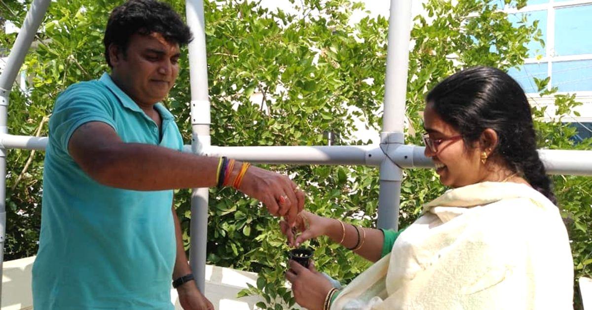 Techie Quits Job To Teach Bengaluru Folks Soil-Free Farming in Just Six Hours!